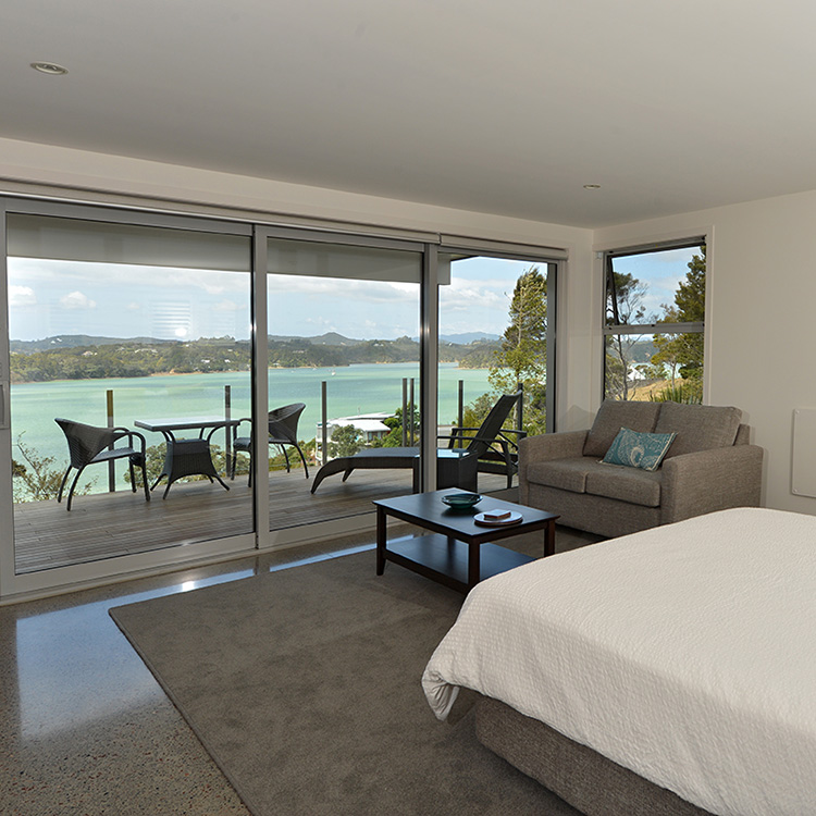 Bay of Islands Beach House luxury beachfront accommodation in Paihia